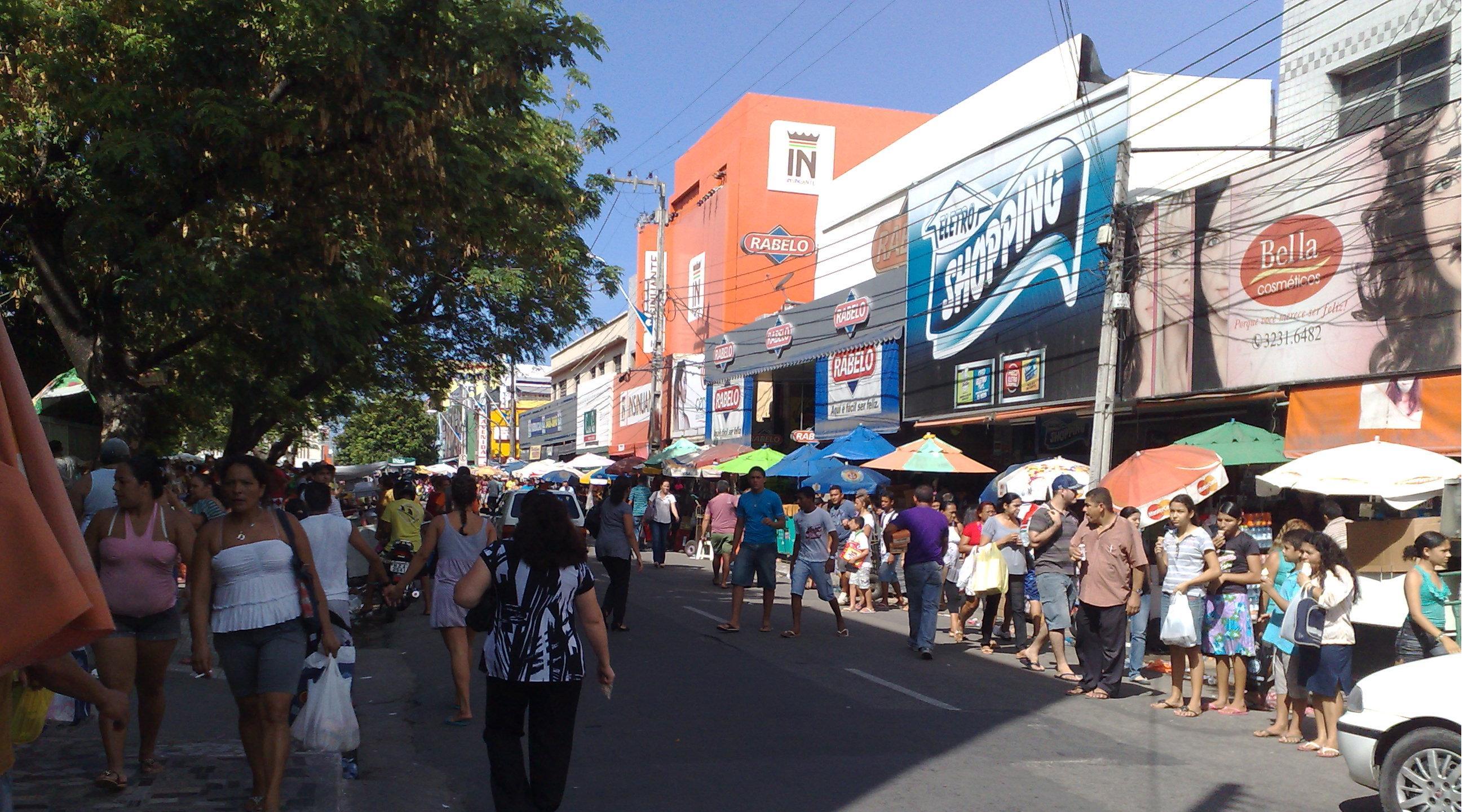 Le affollate vie del centro di Fortaleza