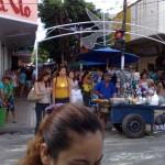 """13122010 Rua Lib.Barroso X Sen.Pompeu NATAL 2010 """"É proibido embaraçar ou impedir, por qualquer meio, o livre trânsito de pedestre ou veículo nas vias públicas, praças, passeios, estradas e caminhos públicos""""."""
