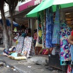 28102010 Ambulante de ressaca dorme na Praça José Alencar